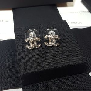 Brand new Authentic CHANEL cc crystal earrings